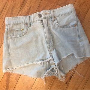 Divided denim shorts